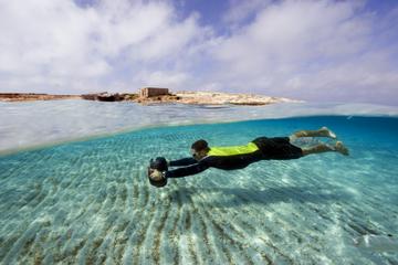 Alquiler de una scooter acuática BladeFish en Ibiza