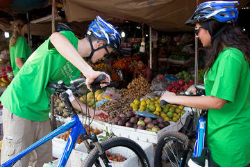 Private Self-Guided Tour: Phnom Penh by Bike