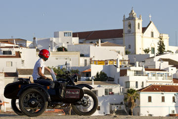 Portimao, Alvor and Ferragudo Tour by...