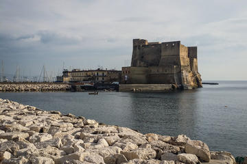 Excursión privada a pie: Luces y sombras de Nápoles