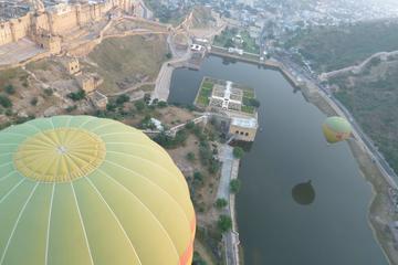 Flug im Heißluftballon über Jaipur...