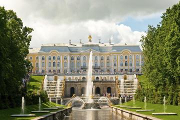Visita para grupos pequeños con acceso a primera hora al Gran Palacio...