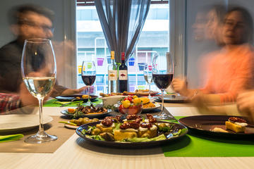 Private 2-hour Greek Wine and Tapas Tasting Experience in Athens