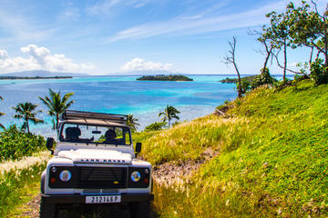 Bora Bora 4WD Tour, Lunch at Bloody ...