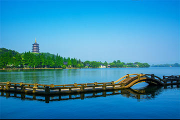 Private Tour: Experience serenity and beauty of nature in Hangzhou from Shanghai by Bullet Train