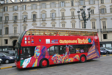 Hop-on-Hop-off-Tour durch Turin