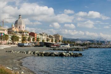 Hopp-på-hopp-av-tur i Genova sentrum