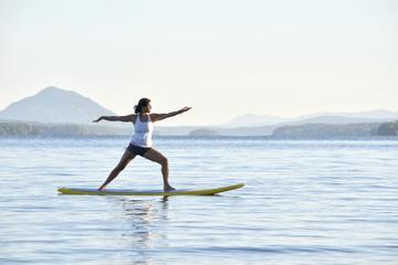 Yoga sur une planche à rame...