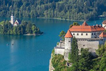 Eslovenia en un día: Excursión de un día para grupos pequeños, cueva...