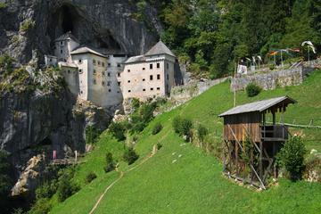 Excursão no Castelo Predjama e na Caverna Postojna de Ljubljana