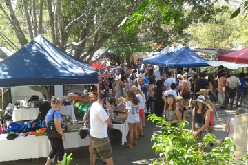 Tagesausflug von Brisbane zu den Eumuni-Märkten und zur Sunshine Coast