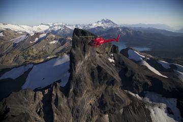 Hubschrauberrundflug über die Region Whistler