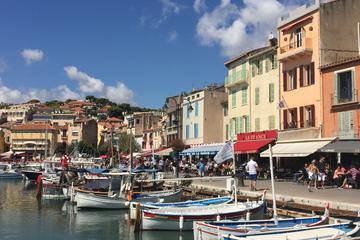 Excursão de meio dia para grupos pequenos em Aix-en-Provence e Cassis...