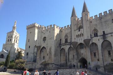 Visite en petit groupe à Avignon et aux villages du Luberon au départ...