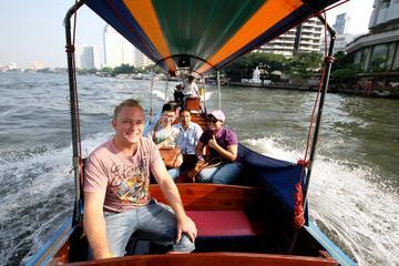 Cruzeiro em um barco longtail nos remansos de Bangcoc com excursão...