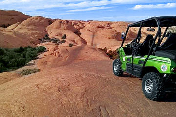 Day Trip Hell's Revenge 4x4 Off-Roading Tour from Moab near Moab, Utah