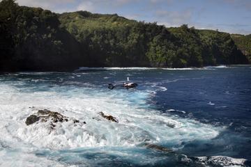 Tour en hélicoptère autour de l'île...