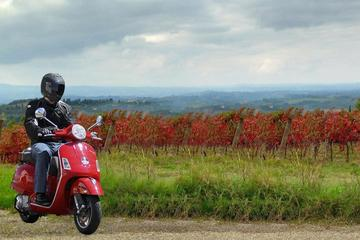 Self-Drive Vintage Vespa Tour with Tuscan Lunch Picnic