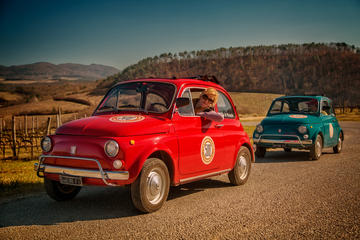 Visite en Fiat 500 d'époque au départ de Florence: Découvrez le vin...