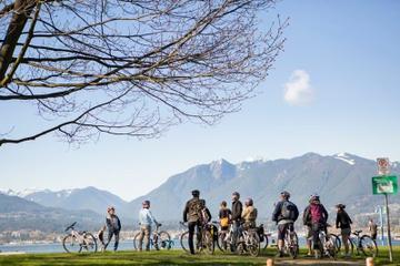 Excursão de bicicleta no Parque Stanley
