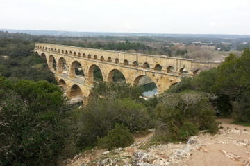 Roman Sites in Provence Half-Day Tour from Avignon Including Pont du Gard, Uzès and Nîmes
