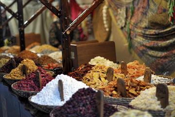 Recorrido gastronómico a pie privado de Kadikoy en Estambul