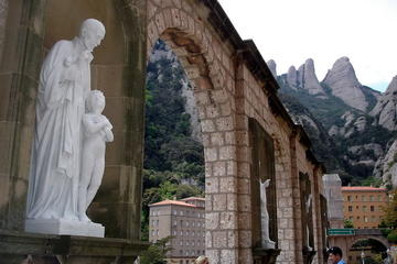 Excursion d'une journée à Montserrat au départ de Barcelone, avec...