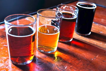 Recorrido de cerveza artesanal, aperitivos y cervecerías en San...