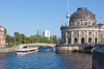 3-stündige Besichtigungs-Bootsfahrt in Berlin mit Mittagessen und...