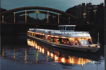 Besichtigungs-Bootsfahrt in Berlin mit Abendessen mit einem...