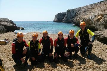 Excursión para grupos pequeños de espeleología marina en Cova de...