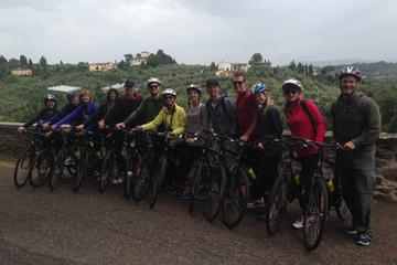Cycling Tuscany Tour with Poolside Aperitivo