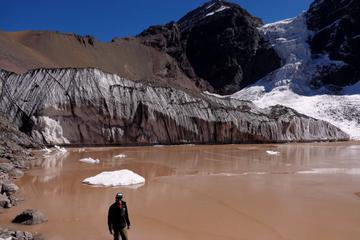 Senderismo de 1 día o de 2 días al glaciar colgante El Morado desde...