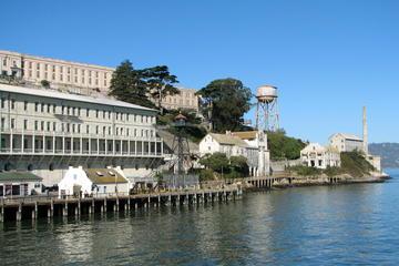 Pacchetto 3 in 1 per la baia: tour di Alcatraz con Muir Woods e tour
