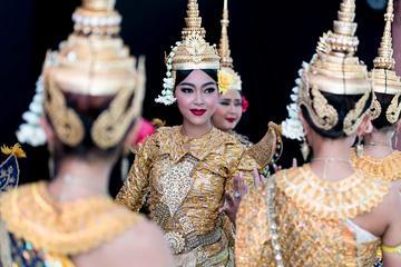 Spectacle de danse cambodgienne...