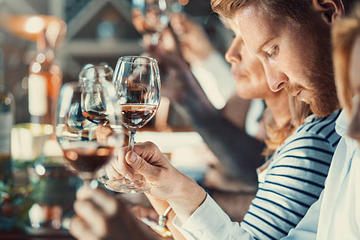Book Niagara Lakefront Cellar Tour and Wine Tasting on Viator
