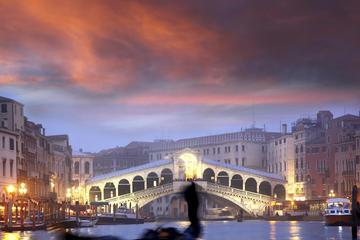 Gondelvaart en diner bij kaarslicht in Venetië