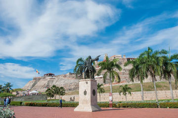 Panoramic Cartagena City Drive and Shopping Shore Excursion