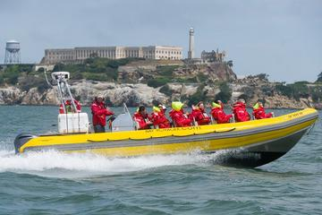 Experiencia en barco neumático rígido por Alcatraz y la Bahía de San...