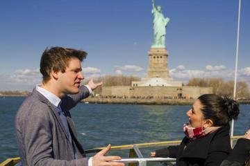 Tour della Statua della libertà e di Ellis Island con l'accesso al