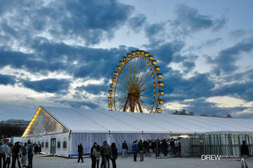 Munich Spring Festival: Historical Theresienwiese Tour and Reserved Tent Table Including Bavarian Meal