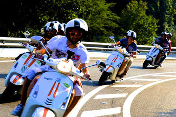 Stadstour met Vespa Scooter door Barcelona