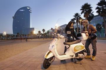 Tour di 6 ore in Vespa con GPS di Barcellona