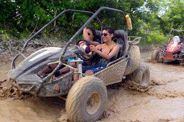Aventura de Buggy de Macao saindo de Punta Cana
