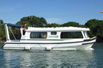 ポートアルフレッドでのハウスボート体験