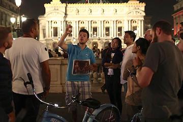 Excursão de bicicleta noturna em Paris e Cruzeiro fluvial no Sena de...