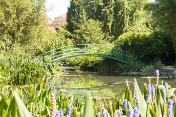 Giverny and Monet Small-Group...