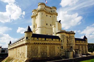 Paris Off-the-Beaten-Path Bike Tour : Vincennes Castle