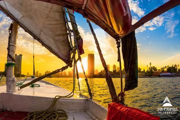 カイロのナイル川に乗るフェルッカ・ライド