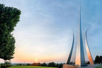 Visita del Cementerio de Arlington , Pentagono, Iwo Jima y Air Force Memorial